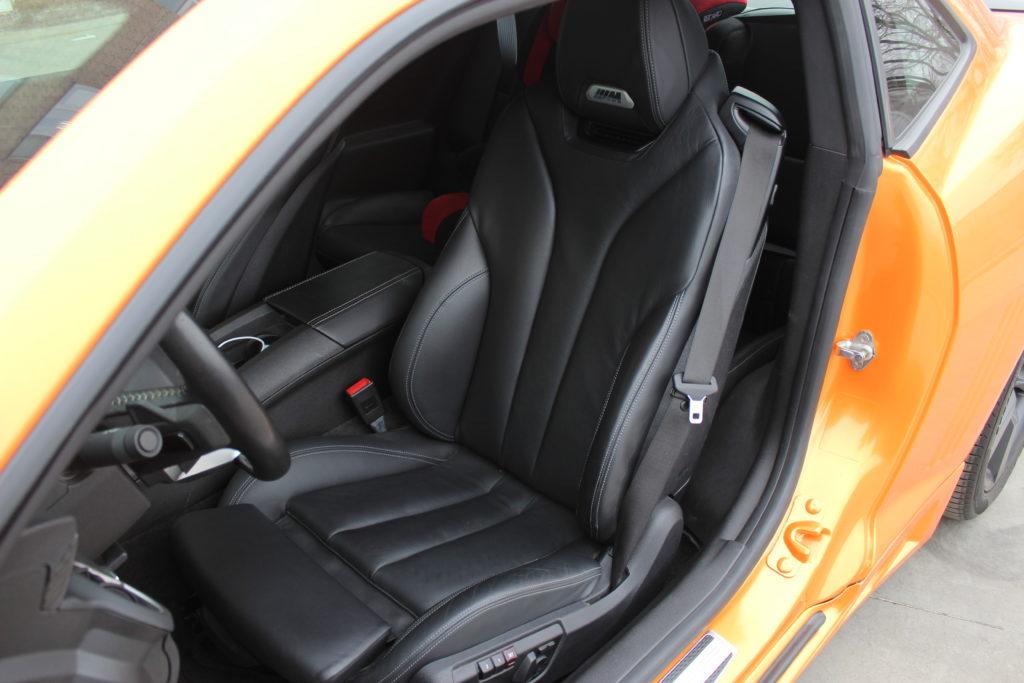 Установка сидеений в Chevrolet Camaro от BMW M4 с полным согласованием электрики