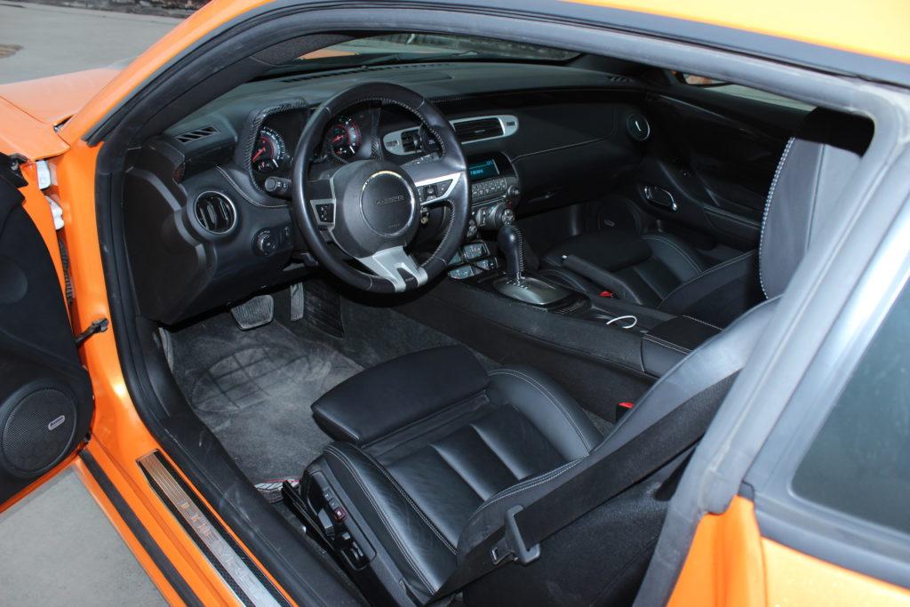Установка сидеений в Chevrolet Camaro от BMW M4 с полным согласованием электрики 2