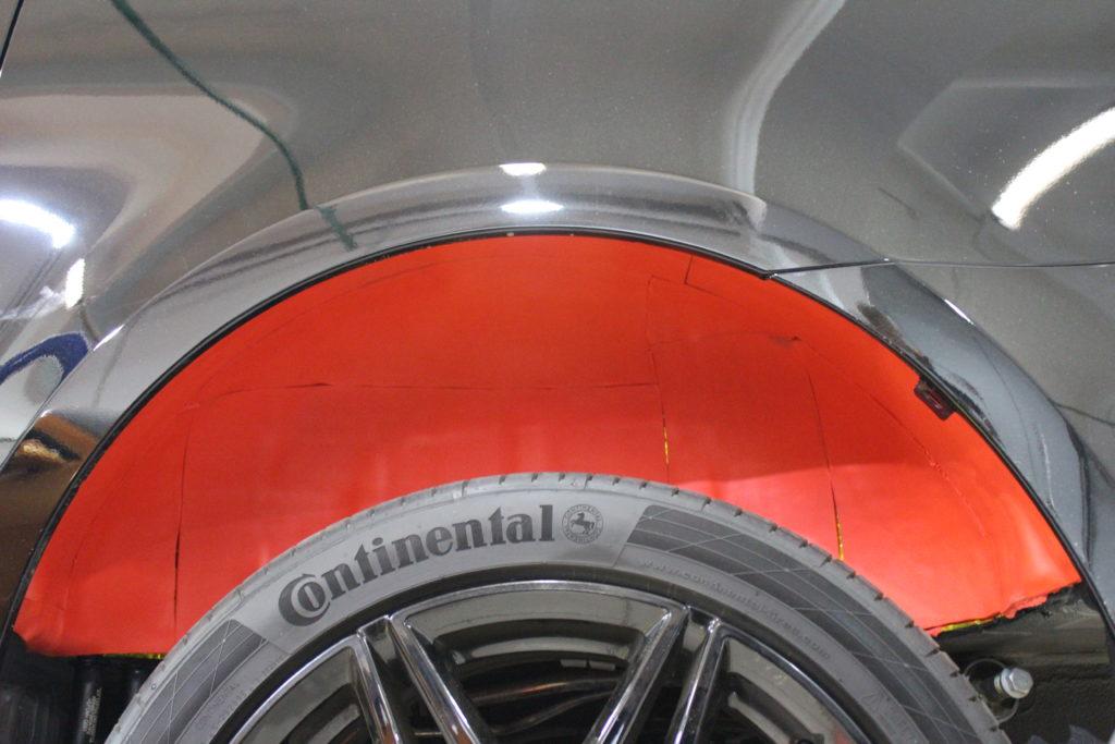 Шумоизоляция колесных арок Mercedes V class вторым слоем